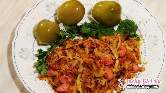 Квашеная капуста, тушеная в мультиварке  рецепт с мясом и сосисками