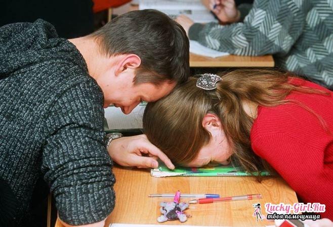 Как понравиться парню в школе? Как понравиться парню, если у него уже есть девушка?