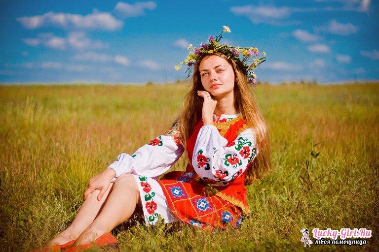 Самые красивые фамилии для девушек. Русские и иностранные варианты фамилий