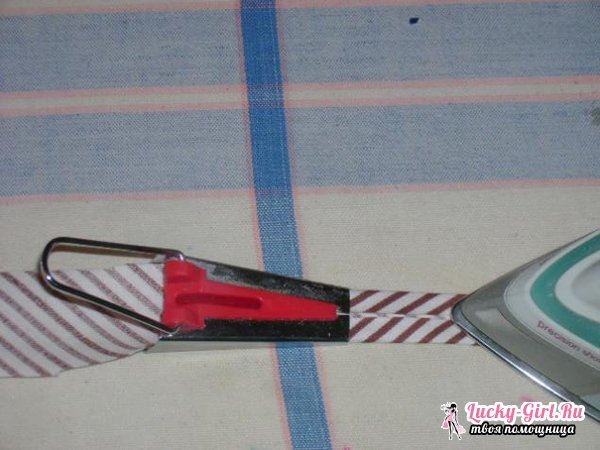 Как пришить косую бейку? Как обработать горловину косой бейкой?
