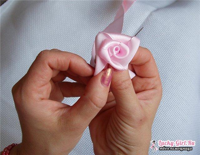 Розы из лент своими руками: мастер-класс. Роза из атласной ленты: видео