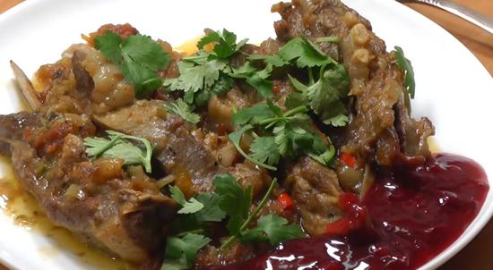 Брусничный соус к мясу: рецепты с фото