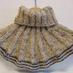 Теплая манишка для мужчины спицами: схема и описание работы