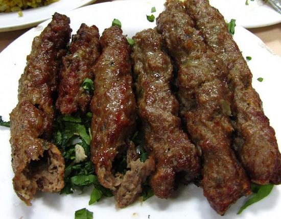 Люля-кебаб из говядины: рецепты приготовления на сковороде, мангале и в духовкеP