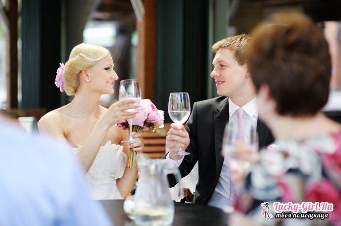 Оригинальное поздравление на свадьбу. Особенные подарки, сценки, сюрпризы для новобрачных